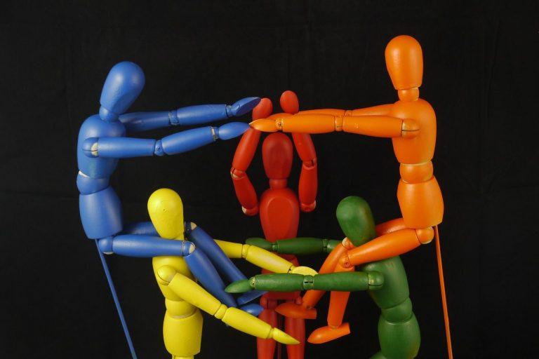 Które elementy komunikacji są przydatne w biznesie?